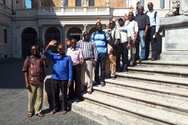 Ewgtertiatskurs vor S. Maria in Trastevere in Rom, Foto Löhr 2018