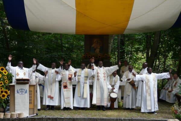 Heilige Messe am Canisiushof mit Verbandspriestern aus Burundi, Foto privat 2018
