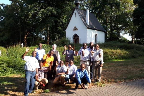 Mitbrüder aus Burundi am Heiligtum in Koblenz-Metternich, Foto privat 2018
